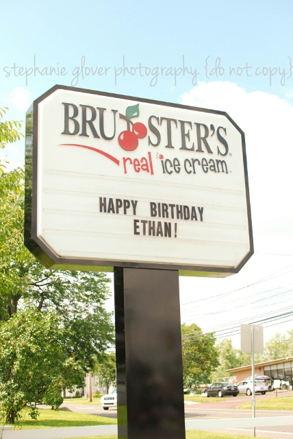 http://agrandelife.net/wp-content/uploads/2012/06/brusters-ice-cream-party.jpg