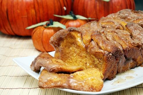 pull apart cinnamon sugar pumpkin bread