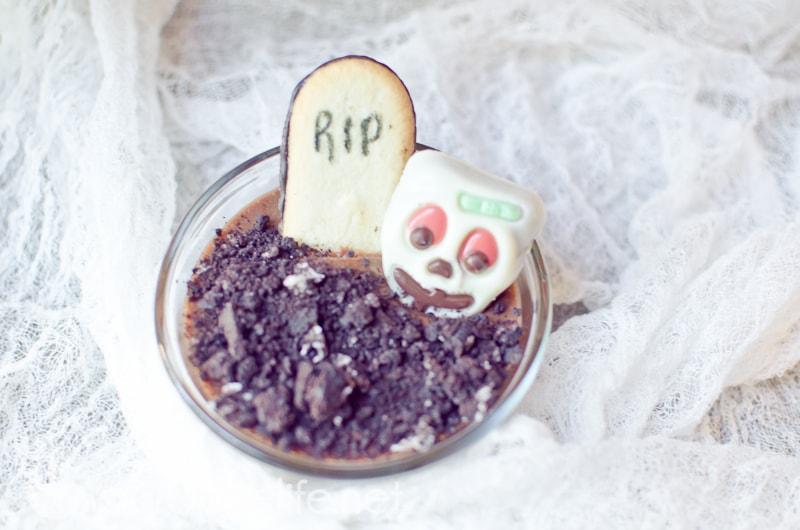 zombie dirt dessert