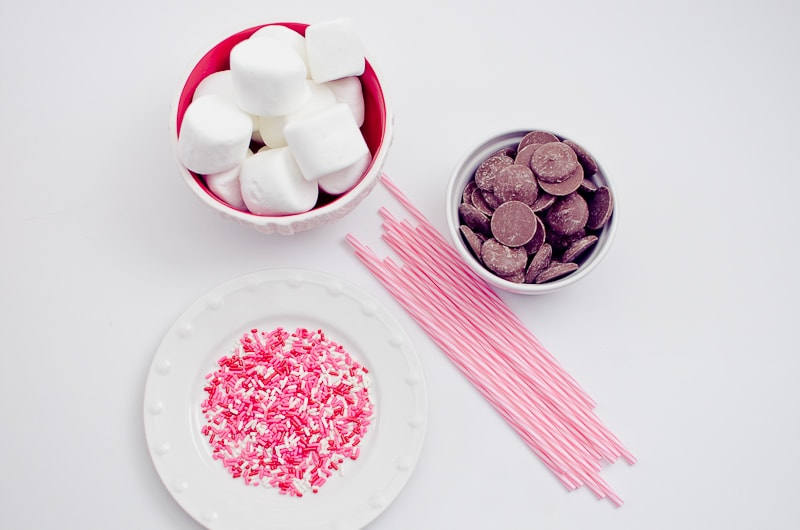 valentines day marshmallow pops-26