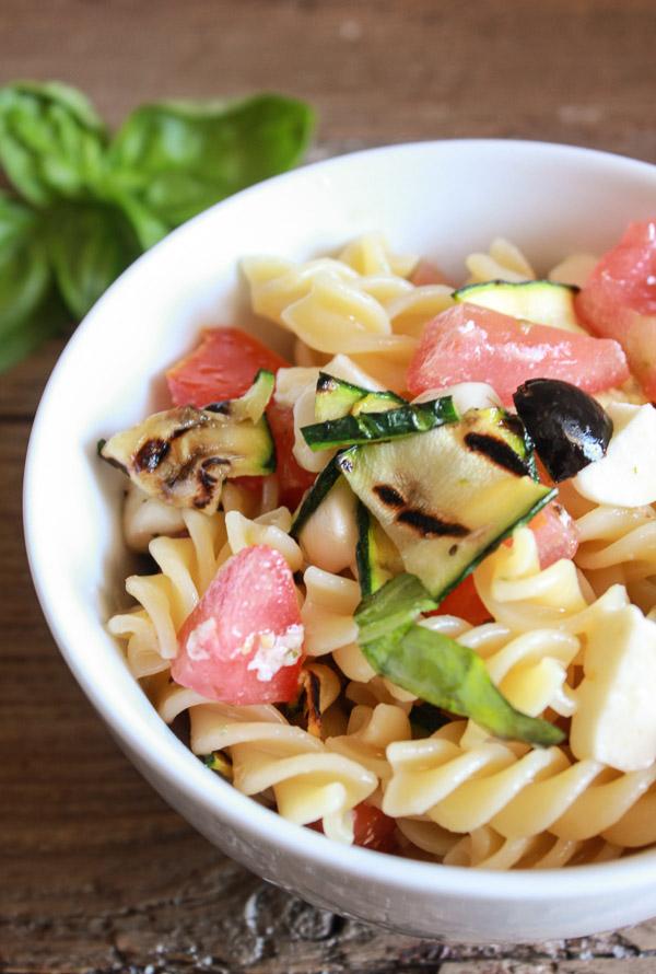 fresh-vegetable-Italian-summer-pasta-salad-blog-6-1-of-1