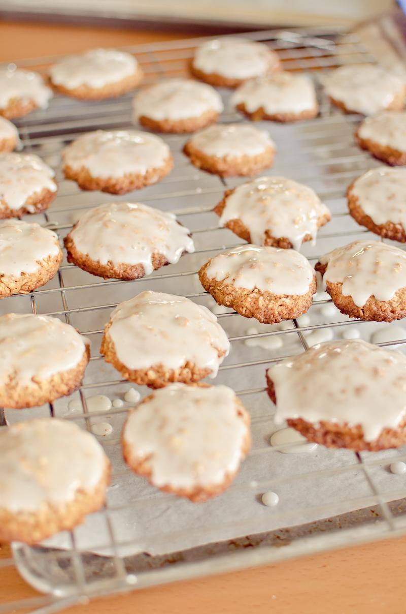 iced oatmeal cookies-3