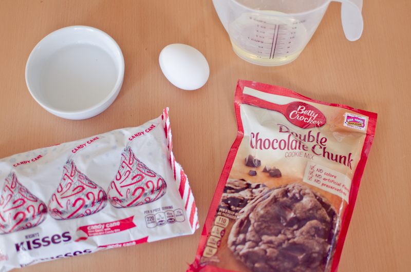 candy cane double chocolate chunk cookies-1