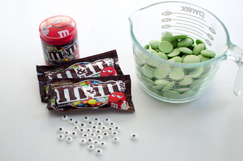 monster m&m bark-1
