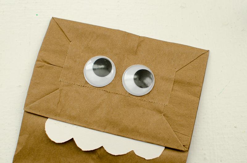 chewbacca paper bag puppet-5
