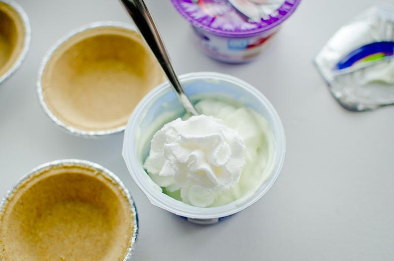 frozen yogurt mini-pies-2