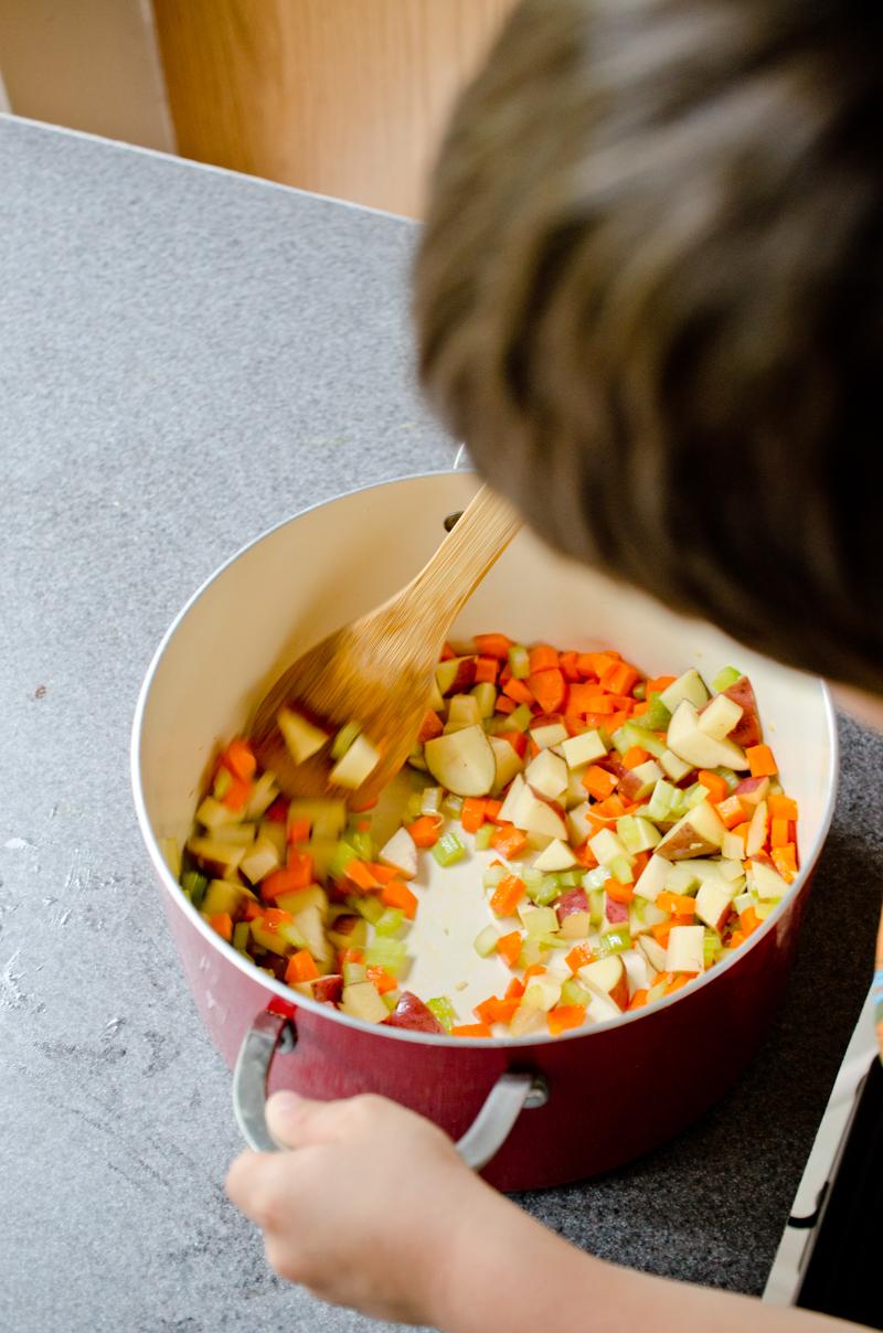 garden vegetable soup-5