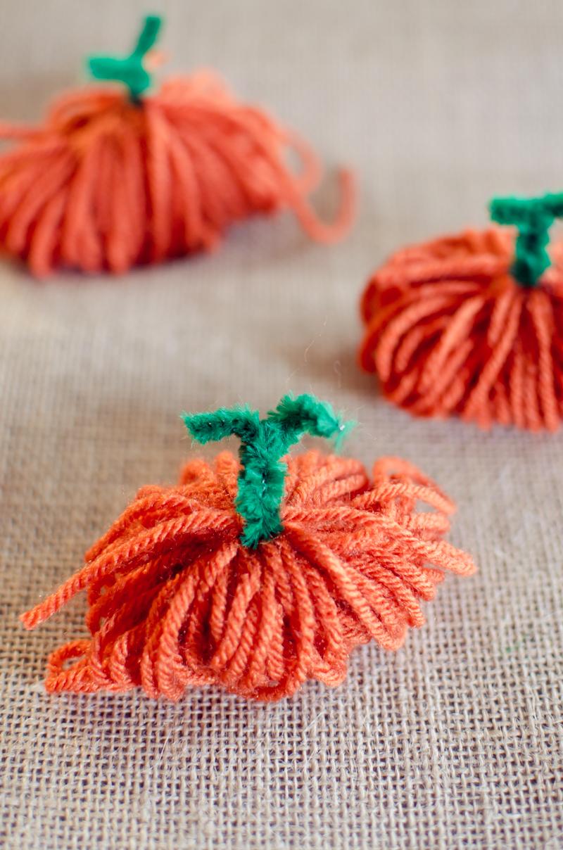 yarn-pumpkins-5