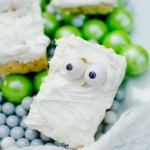 Easy Halloween Treats: Mummy Treats