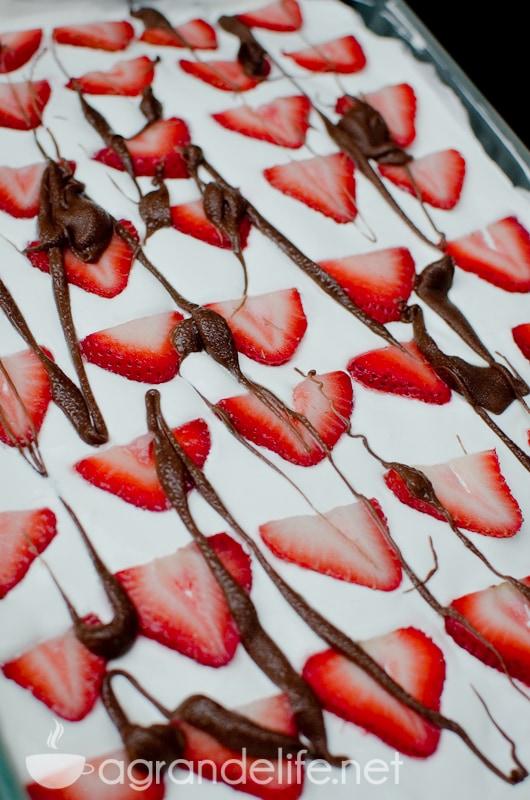 No-Bake Strawberry Icebox Cake-1