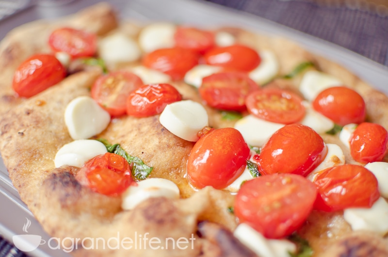 Naan Margherita Pizza-2