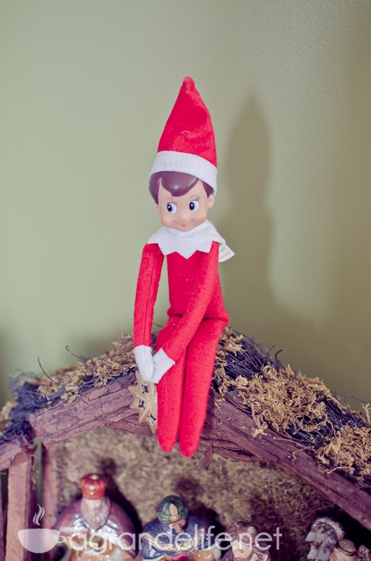 elf on the shelf ideas-31