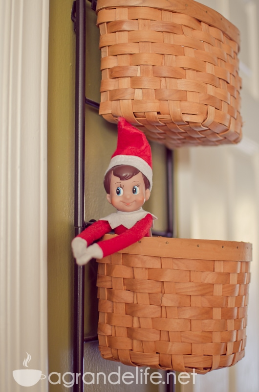 elf on the shelf ideas-32