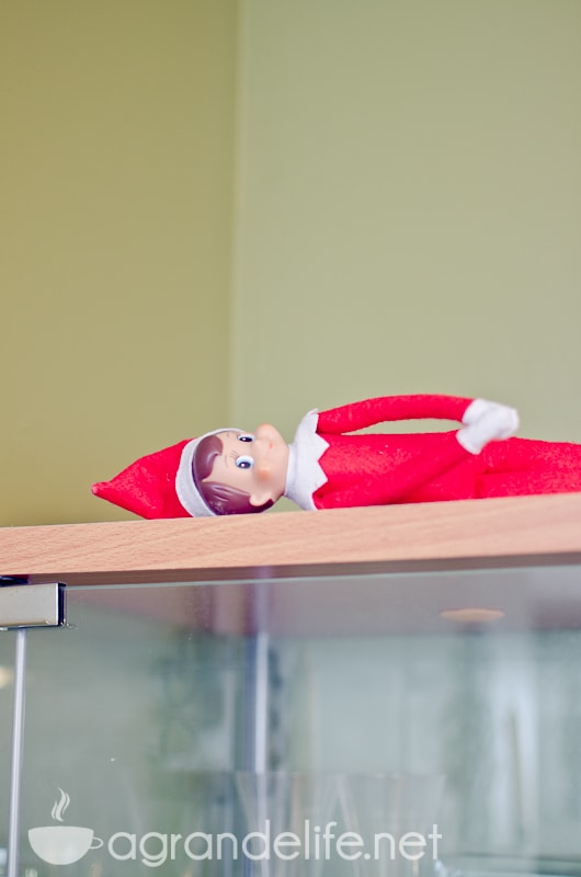 elf on the shelf ideas-33