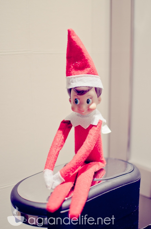 elf on the shelf ideas-36