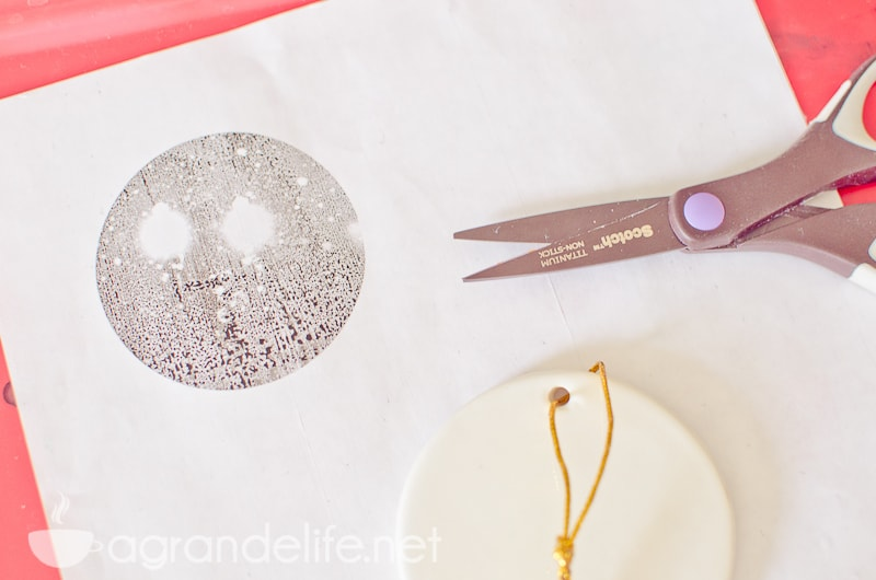 DIY Photo Tranfer Ornaments-4