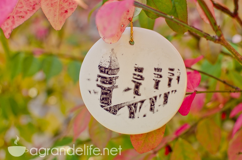 DIY Photo Tranfer Ornaments-7