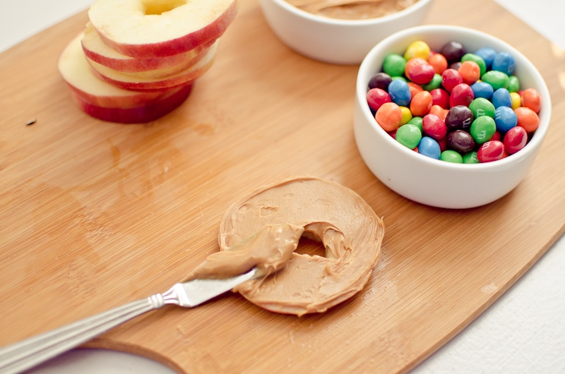 Crunchy Peanut Butter and Apple Slices-3