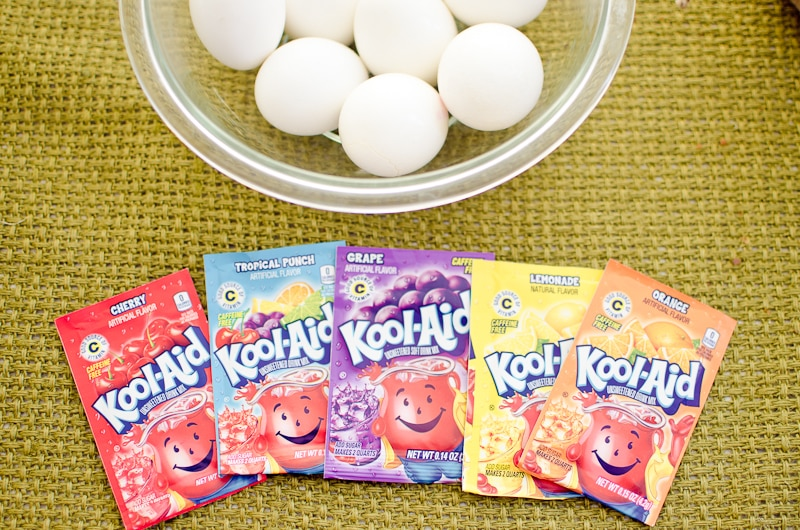 how to dye eggs with kool aid-1