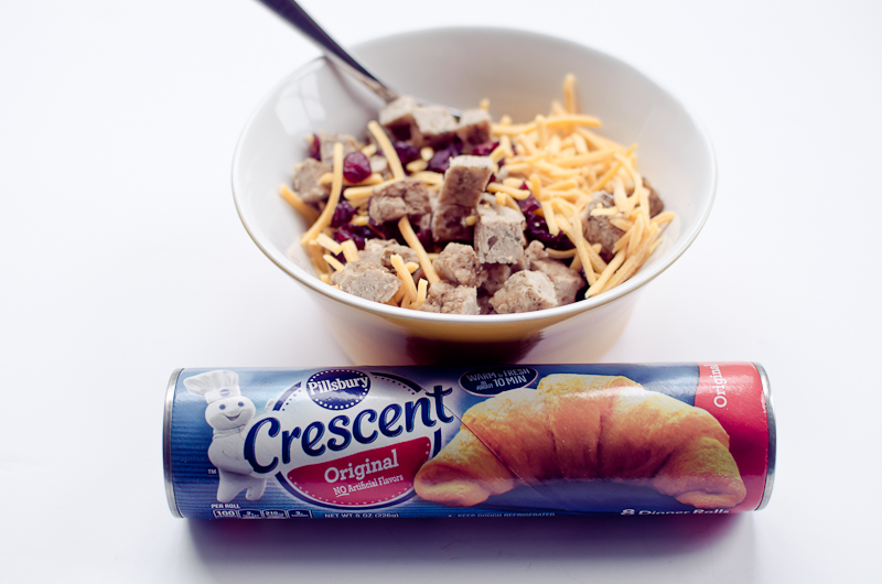 Sausage-Stuffed Crescent Cornucopias-1