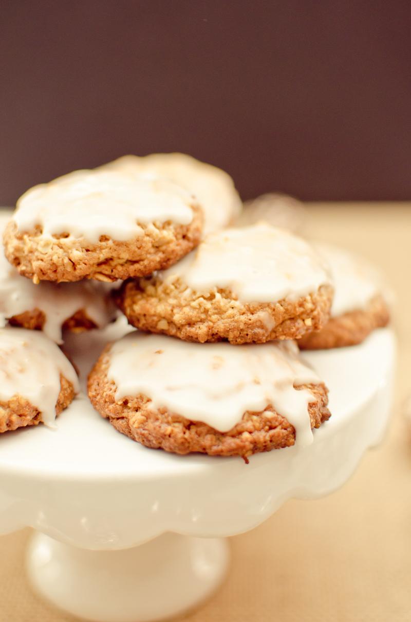 iced oatmeal cookies-8