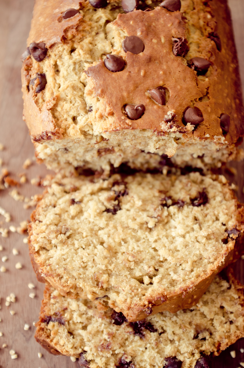 chocolate chip oatmeal banana bread-15
