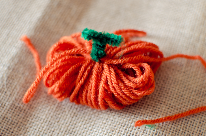 yarn-pumpkins-4