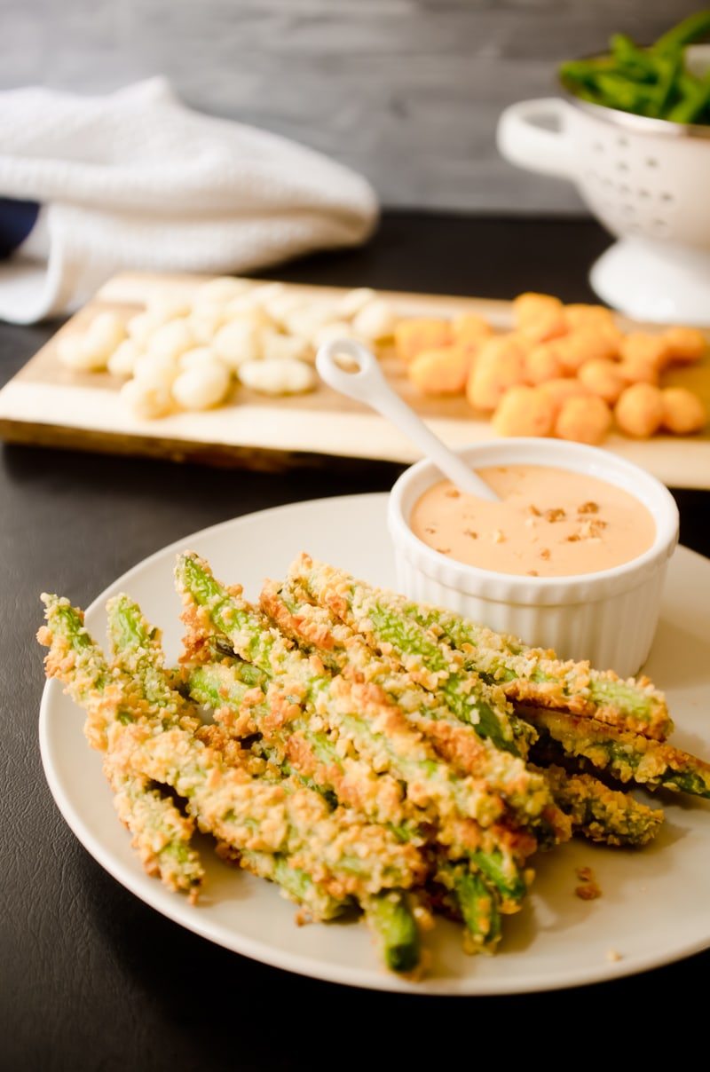 Oven Baked Green Bean Fries with Creamy Sriracha Sauce-6