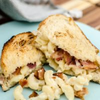 Grilled Mac-and-Cheese Sandwich