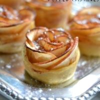 Apple Rose Puffed Pastries