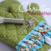 Christmas Oven Mittens